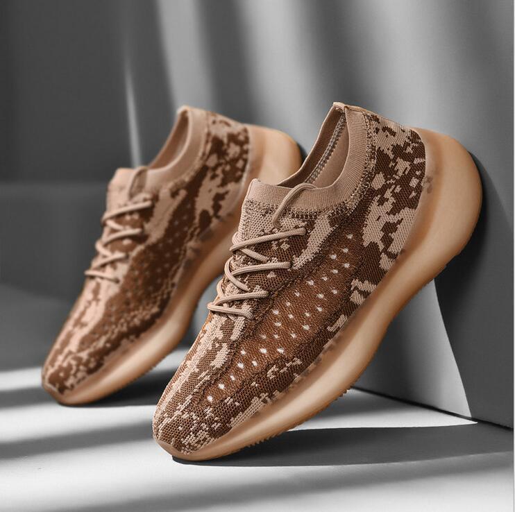 Hombres Mujeres Kanye más reciente zapatillas de correr zapatillas de deporte de la estrella Negro WhiteTriple ocio Trainer Utilidad Caminante corredor deportes ocasionales de los zapatos del diseñador Stock