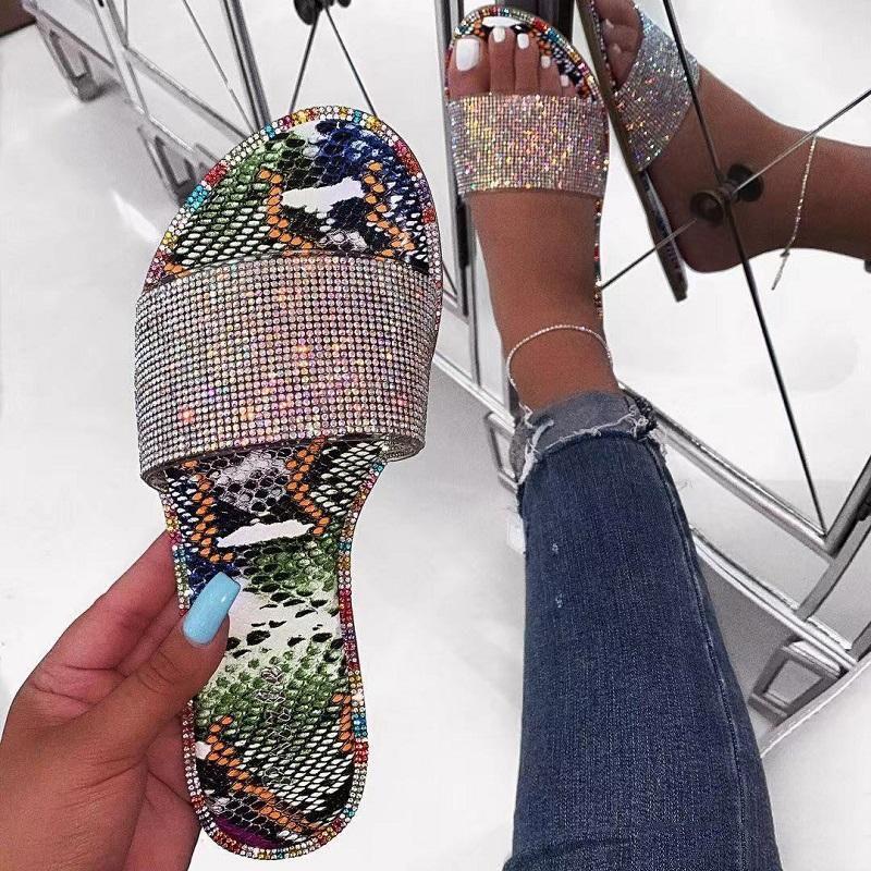 Модные женские сандалии змеиный принт Bling RhineStone Slip-on мелкая плоская обувь повседневная женская обувь для отдыха на открытом воздухе