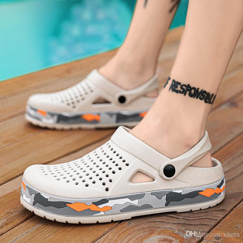 scarpe da uomo traspirante estate antiscivolo disegno classico sandalo vicino pantofole punta sandali vuoti per la schiena spiaggia riva sandalo zy734