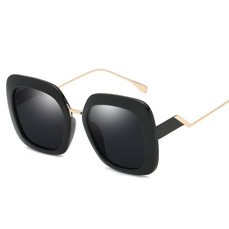 New lady retro designer sunglasses retro design big face square frame gold frame UV400 lens top quality ladies HD sunglasses with box