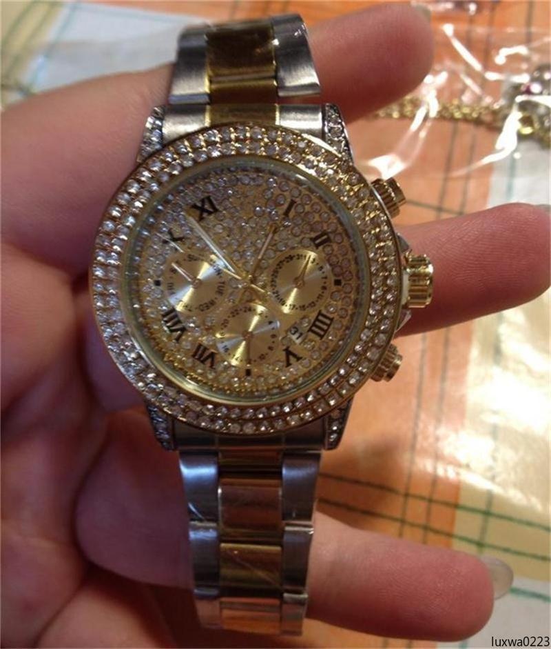 luxwa0223 2020 de lujo de acero inoxidable de alta calidad de los relojes al por mayor de 40 mm embutido del diamante del reloj del dial para mujer para hombre relojes de cuarzo /