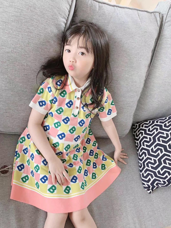 2020 primavera verano vestido de las muchachas del nuevo del estilo del bebé del patrón de punto ropa bordada Polo cuello de vestir