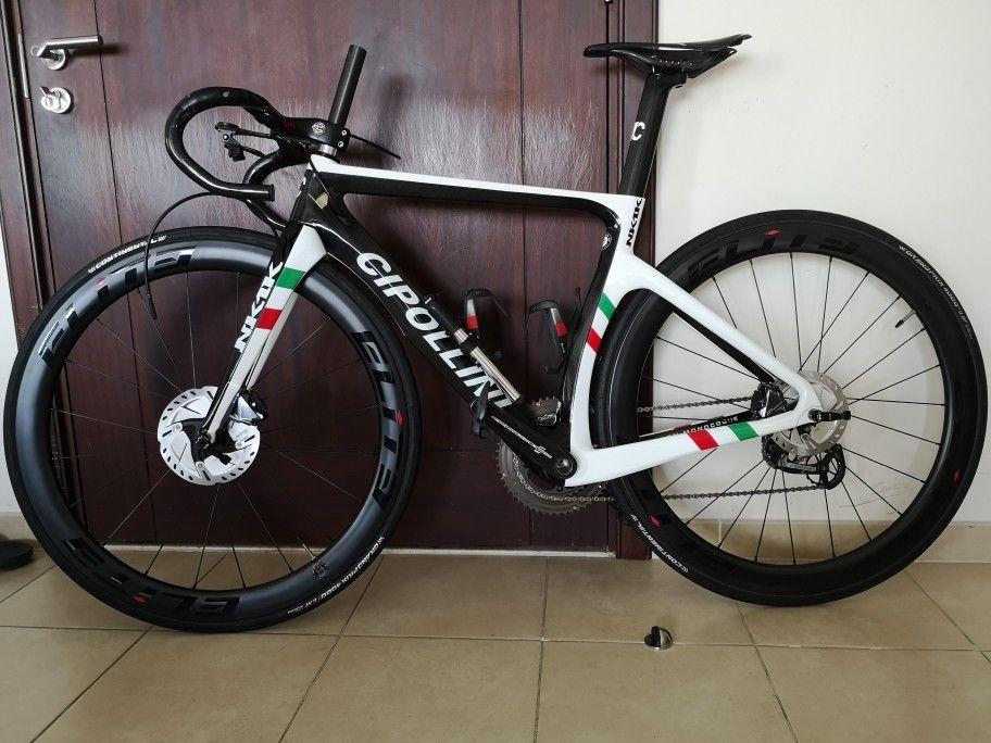 Dünya Şampiyonu Cipollini NK1K Disk Disk Karbon Yol Orijinal R7020 groupset aks ile Komple bisiklet