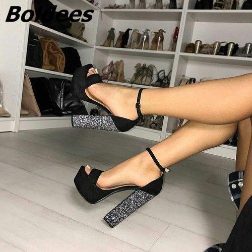 Boldees شيك الأسود الجلد المدبوغ مكتنزة كعب منصة صنادل الخط الإبزيم أحذية نمط OpenToe مضيء الترتر مزين كتلة HeelDress Y200323