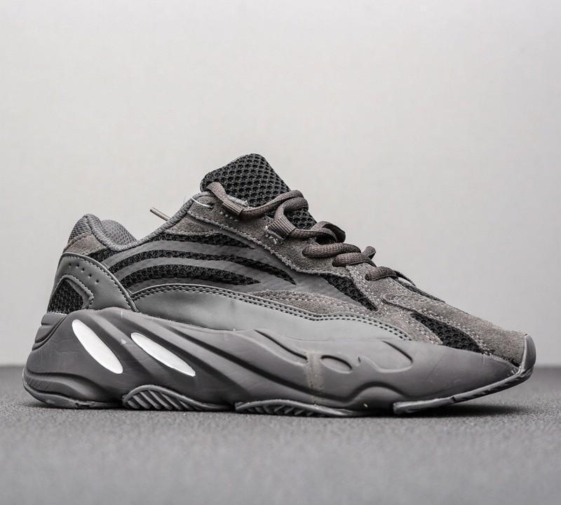 Kanye West 700 Dalga Runner Womens 700s V2 Statik Spor Sneakers leylak Katı Gri Lüks Tasarımcı Ayakkabı 40-45 İçin Ayakkabı Koşu
