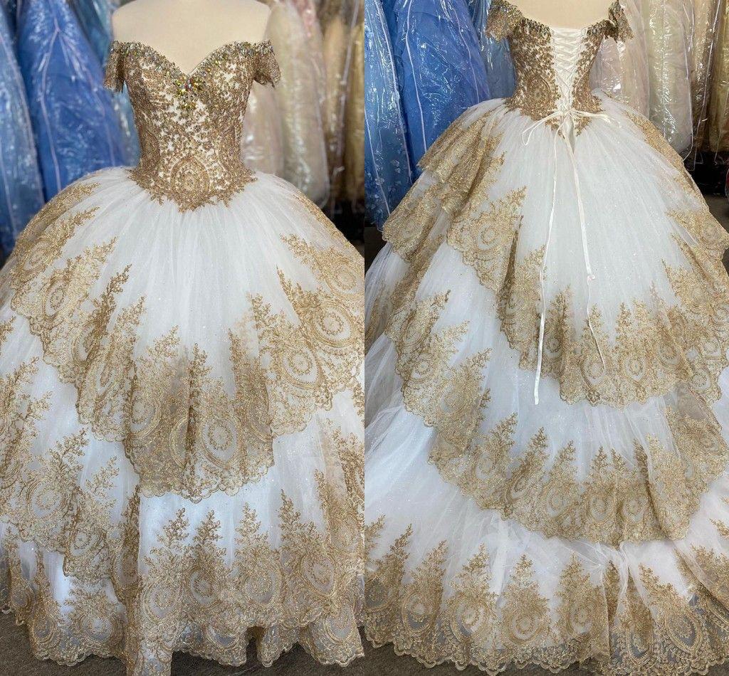 Glamour cordón del oro del dulce 15 de Quinceanera de los vestidos de los vestidos de bola del hombro tres capas sobrefaldas con cordones de fiesta vestido de fiesta de los vestidos de noche
