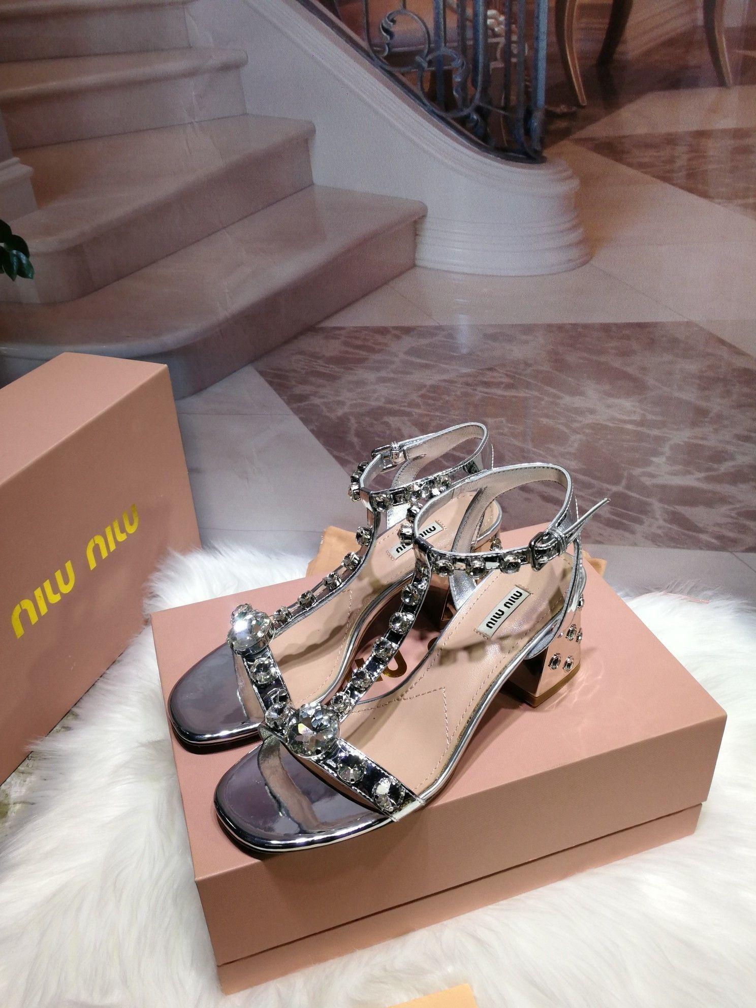 4P99Comfortable moda Kadın ve gündelik sandaletler bayan sandaletleri bayan yeni şık kaymaz sandalet 202091XQ