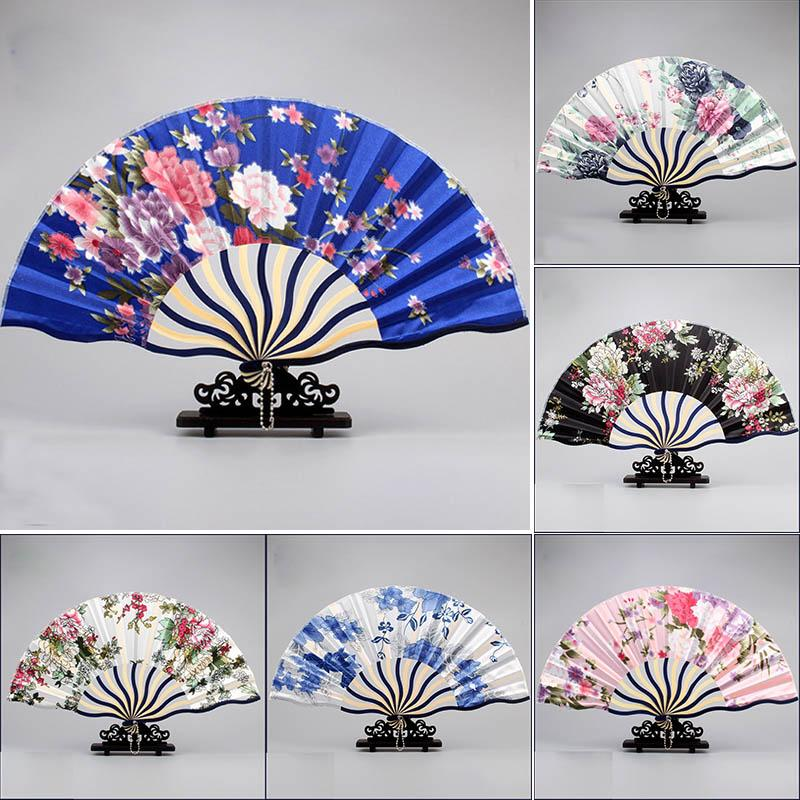 Güzel Vintage Çiçekler El Fan Sevimli Retro Peyzaj Fan Yüzey Katlama Bambu Kumaş Fan Düğün Parti Iyilik Hediyeler Şekeri