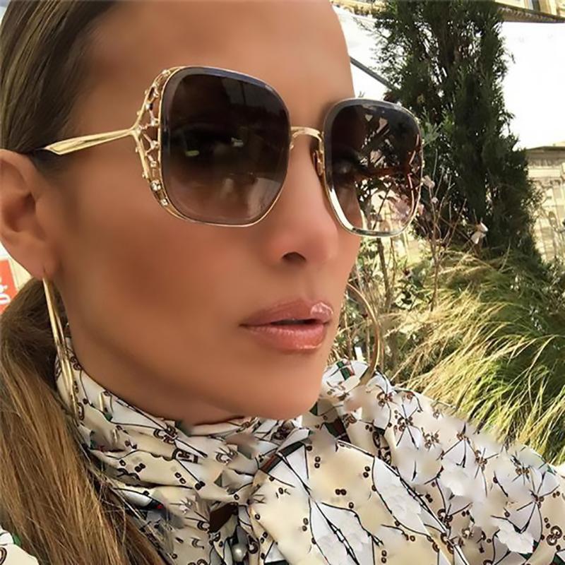 Steampunk-Platz Sonnenbrillen für Frauen Strass-Kristallkronen-große Feld-Gläser Weibliche Mode-Weinlese Shades Brillen Lady