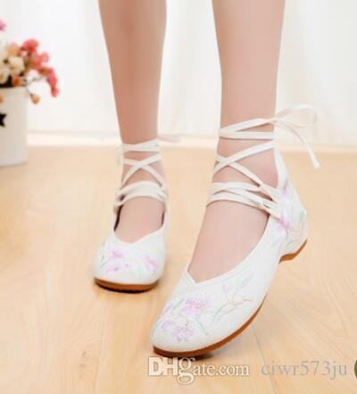 New old Beijing cloth shoes women's national style embroidered shoes 036