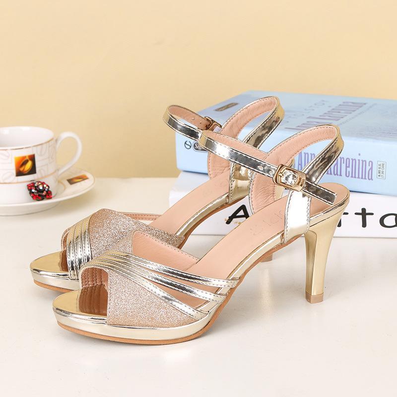 Летние новые босоножки женские тонкие с ярким кожаным квадратным шарфом с женской обувью, золотая и серебряная пряжка с дамской обувью