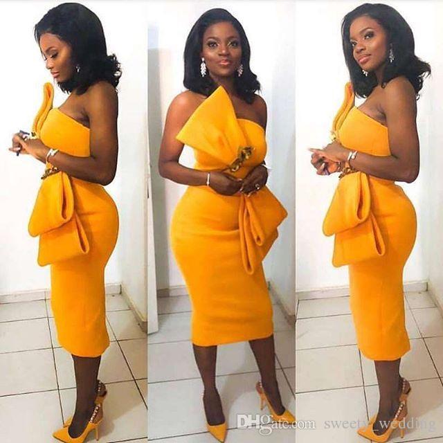 مثير الأصفر الساتان فساتين كوكتيل كبير القوس طول الركبة 2019 الأزياء الكشكشة غمد قصير مساء الحفلة الراقصة قصيرة جميلة امرأة حزب اللباس