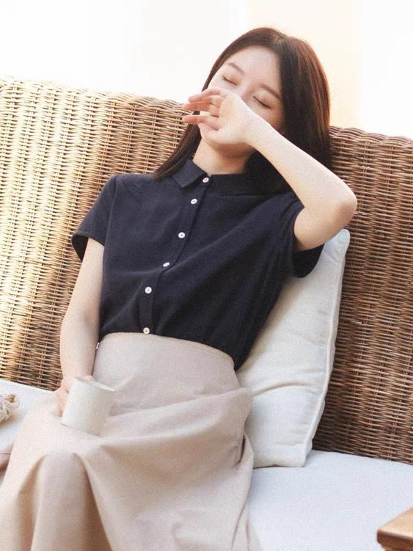 Blusa Feminino Verão Vintage manga curta CYNTHIA 2.020 novas mulheres de Primavera linho Straight Down Collar Shirts