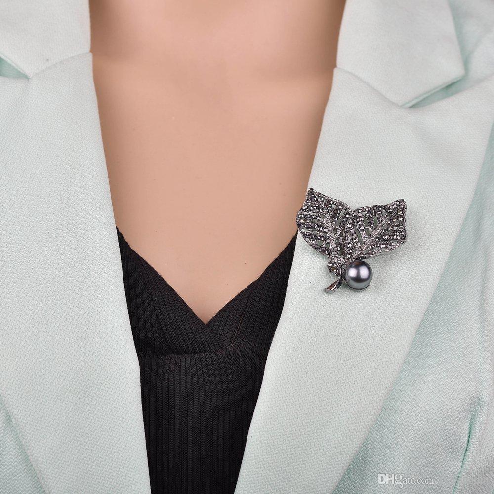 Schmuck schwarzes Gewehr überzogener simulierte Perlen-Brosche Vintage-Strass Doppel Blatt Broschen für Frauen-Geschenk-B445