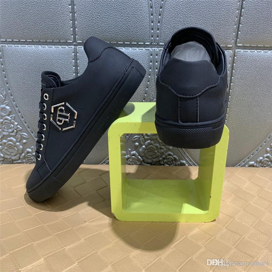 20WN 2020 nova primavera de lona Outono Sapatos Moda homens Low Top Black Men Shoes Comfort Luz Lace Up Sneakers calçados casuais YETC4