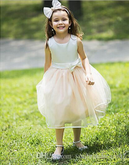 جديد الشمبانيا الرمان الأميرة اللباس أكمام بنات مسابقة Dressses جميل BOWKNOT جميل بطول الركبة زهرة فتاة DRESSE