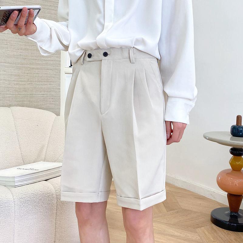 2020 été nouvelle jeunesse populaire britannique Men Style de couleur unie plissés Cinq points Pantalon mode Shorts en vrac Casual M-2XL T200422