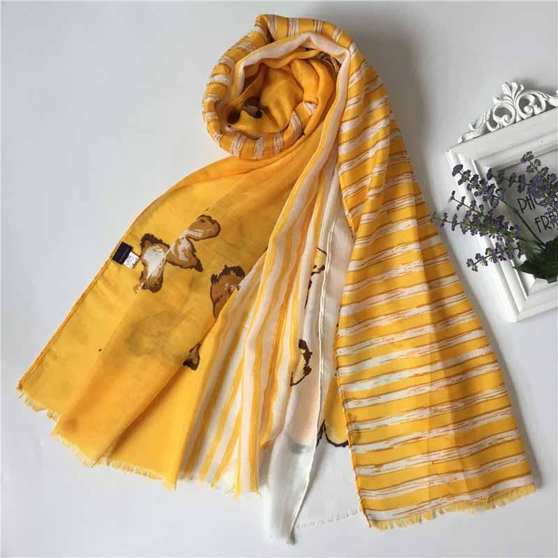 2019 designer de novo cachecol de luxo de moda de seda primavera lenço fino novo letras pequenas quadrado xale quatro cores de tamanho disponíveis 190 * 135 centímetros de alta qualidade