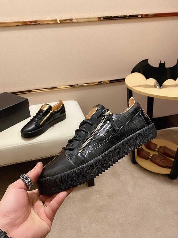 высокое качество Низкий Top змея кожа черный Шипы Повседневный Flats Red Bottom Shoes Luxury Для Mens женщин Party Дизайнер кроссовки любителей подлинной