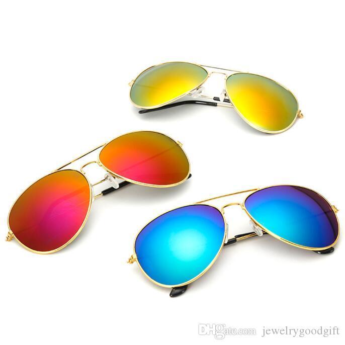 Lunettes de soleil pour femmes Sports Sports Lunettes de soleil Sport Prix bon marché La qualité des lunettes de soleil avec accessoires de mode d'expédition gratuite
