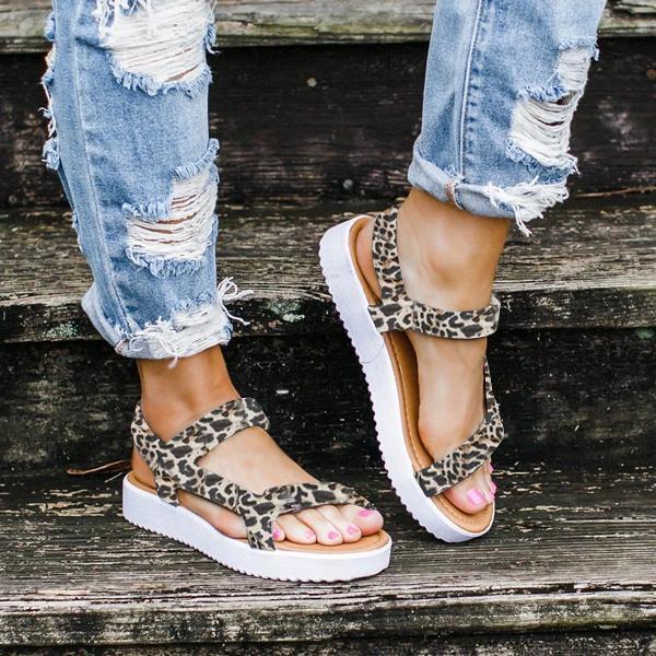 2020 Sommer-Sandelholz-Frauen-flache Damen Bequeme Knöchel hohle runde Zehe-Sandelholz-weiche Sohle Schuhe Sandalen Schuhe Damen Y200620