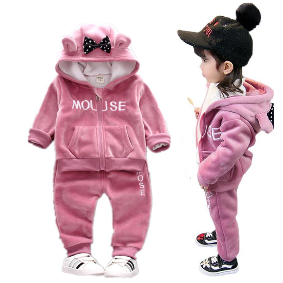 Otoño Invierno Conjuntos de ropa para niñas Bebés Niños Carta informal Arco Terciopelo con capucha Trajes deportivos para niños Ropa 1-4 años