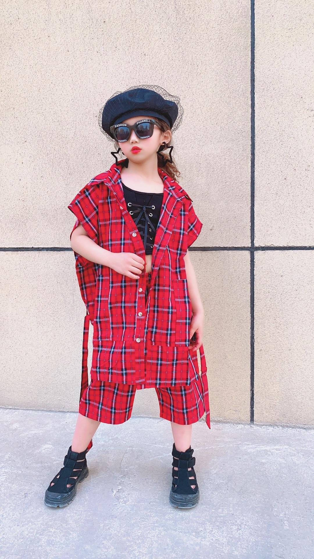 Mode enfants nouveaux carreaux de style enfants tenues à la mode ceinture simple boutonnage treillis de gilet + filles desserrés pantalons demi-ensembles occasionnels A3166