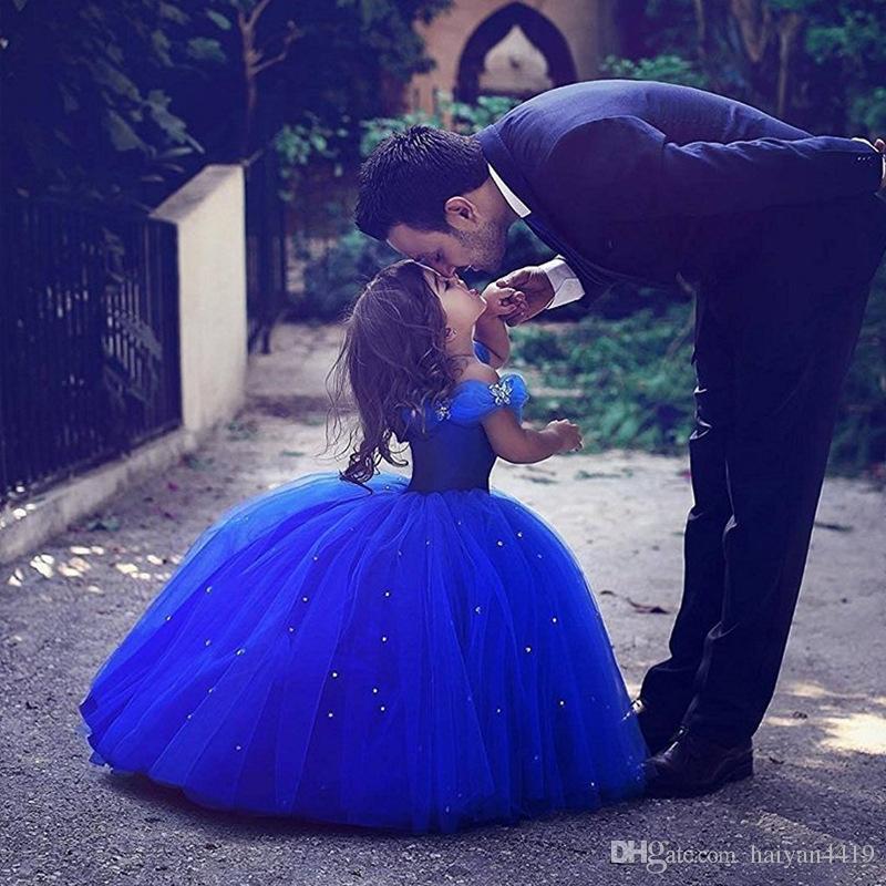 جديد الأميرة سندريلا جميل زهرة فتاة فساتين قبالة الكتف الملكي الأزرق لحفلات الزفاف القمامة بنات مهرجان اللباس الاطفال الطفل بالتواصل أثواب