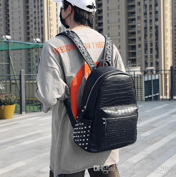 wholesale brand men bag personality rivet punk backpack crocodile pattern fashion student bag street fashion crocodile pattern rivet le