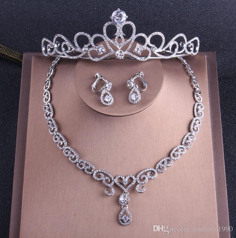 Encantadores Cristales de Plata Conjuntos de Joyas Nupciales 3 Piezas Trajes Collar Aretes / Coronas Accesorios de Novia Conjuntos de Joyas de Boda T307741