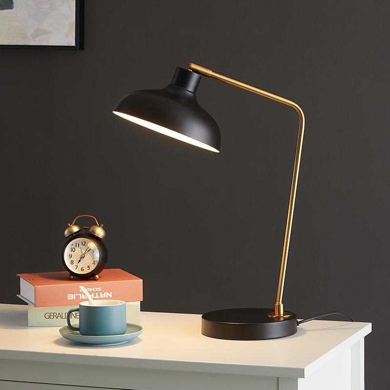 Tabela quarto casamento da lâmpada de cabeceira quarto luz romântica em estilo europeu Retro Minimalista leitura Desk Lamp
