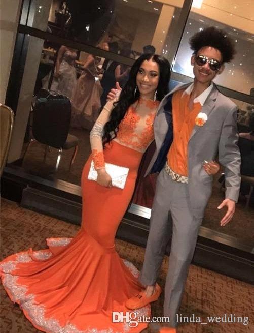 Abiti da ballo di colore arancione sexy Ragazze nere graziose Maniche lunghe Applique Vacanze Laurea Abiti da sera Abiti da festa Su misura Plus Size