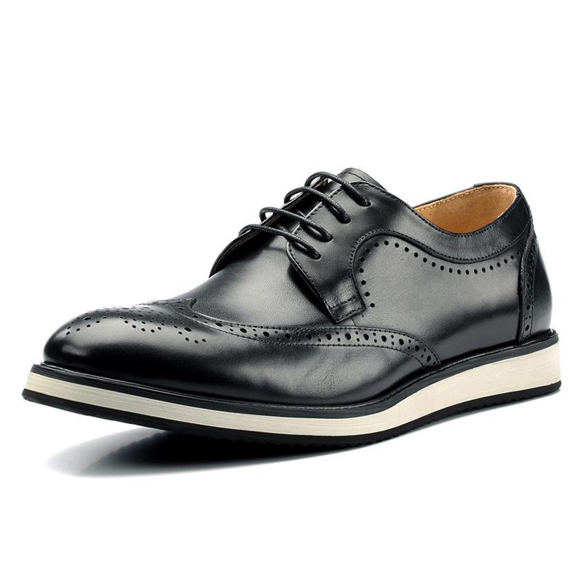 Formal New echtes Leder Flache Plattform Männer Geschnitzte Schuhe Kleid handgemachte runde Zehe Bequeme Brogue
