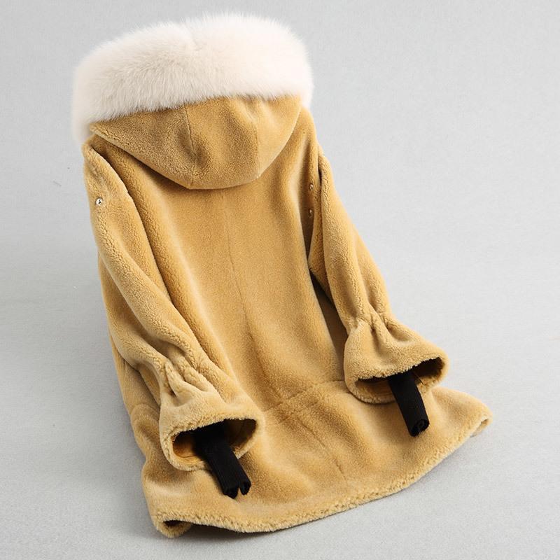 2020 Women Real Waet Sheep Shear Coats Warm Winter Fur Coat Fur Coat Finter Female Natural Fur Collar Hooded 38370 WYQ2034