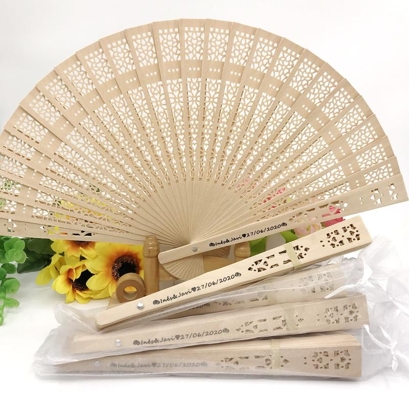 50PCS Custom Printing Chinese Sandal Wood Wedding Fan Personalized Hand Foldable Wooden Fan in Organza Bag Party Decorations FREE SHIPPING