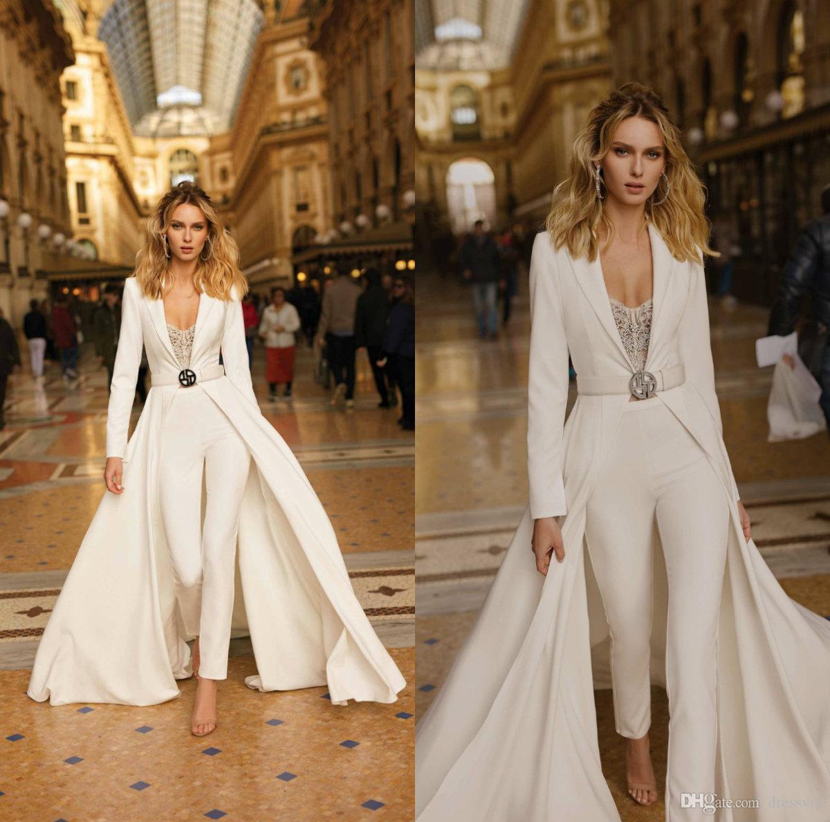 2020 Berta Wedding Jumpsuits 레이스 비즈 오버 셔츠 라인 비치 웨딩 드레스 스윕 기차 긴 소매 새틴 Boho Vestidos de Novia