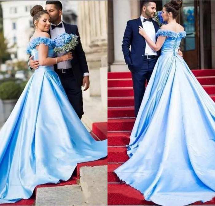 2020 Longue Encolure A-ligne robes de soirée sans manches en satin avec la main Made Fleurs Prom Party Robes