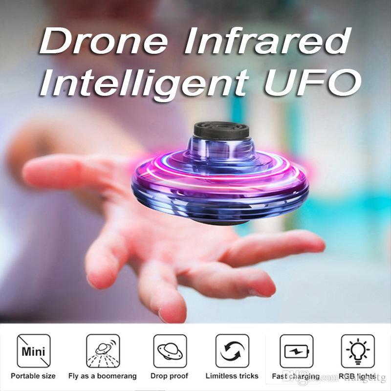 UFO Fidget Spinner Toys Kids 360 ° Shinning светодиодные фонари выброс мини-дрон инфракрасный датчик UFO летающая игрушка индукционные воздушные изделия Quadcopter игрушка