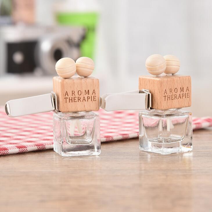 Com clipe de madeira 8ML carro pendurado Perfume retrovisor ornamento Cube frasco de perfume ambientador para óleos essenciais Difusor Fragrance LX2137