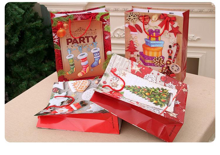 300pcs Weihnachtsgeschenke Kraft Papiertüte Weihnachten Handtaschen Geburtstags-Geschenk-Partei-Geschenke Süßigkeit Schokolade Spielzeug Verpackung XD22649