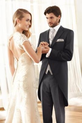 Высокое качество Cutomized черный цвет свадебные смокинги мужские выпускные костюмы женихи мужские свадебные костюмы (куртка + брюки + жилет+галстук) 3 шт.