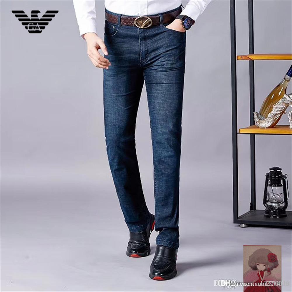 Primavera / verano 2019 nuevos hombres versión coreana de jeans de moda tubo recto juvenil pantalones largos de mezclilla largos hombres