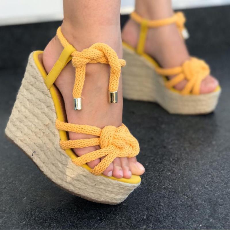 Lace-up di estate delle donne cuneo sandali femminili della piattaforma di modo dei sandali dell'alto tallone della caviglia di modo cinghia aperta della signora pattini di punta Taglia 43