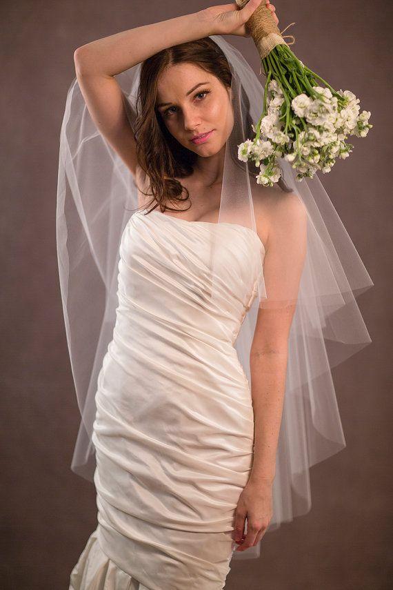 Sıcak İnanılmaz Gerçek Resim Üç Katmanlı Düğün Peçe Kalça Uzunluğu Kesim Kenar Beyaz Kırmızı Ivorye Meidingqianna Marka Alaşım Tarak