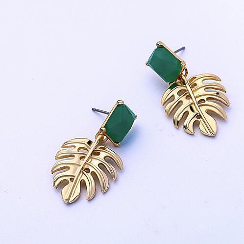 Altın Renk Alaşım Delikli Yaprak Yeşil Reçine Dikdörtgen Damla Küpe Kadınlar için Moda Takı GB384