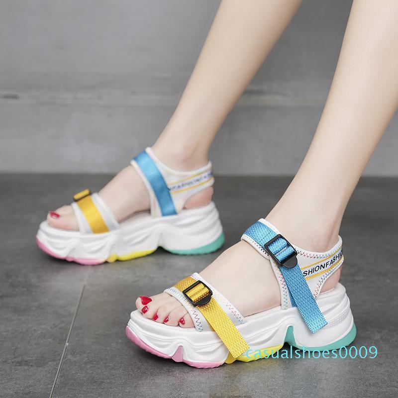 Regenbogen Sole öffnen Toe Sport Sandalen Frauen Farbe Schnalle beiläufige Plattform-Keil-Sandalen Sommer Outdoor-Strand-Schuhe der Frauen 2020 c09