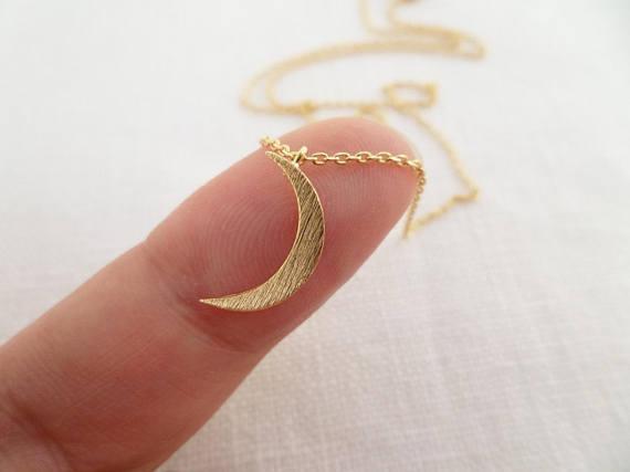 Crescent Moon Halskette Tiny Gold Silber oder Rose Gold Mond Schmuck Dainty und Delicate Geburtstag Hochzeit Brautjungfer Geschenk YLQ0648