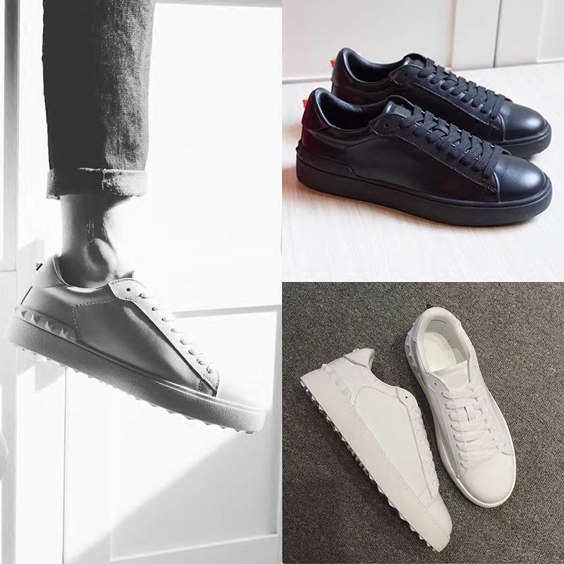 De nouvelles chaussures blanches luxe rivet mode hommes et femmes chaussures plates en cuir Joker correspondant à des couples concepteur baskets casual taille 35-48