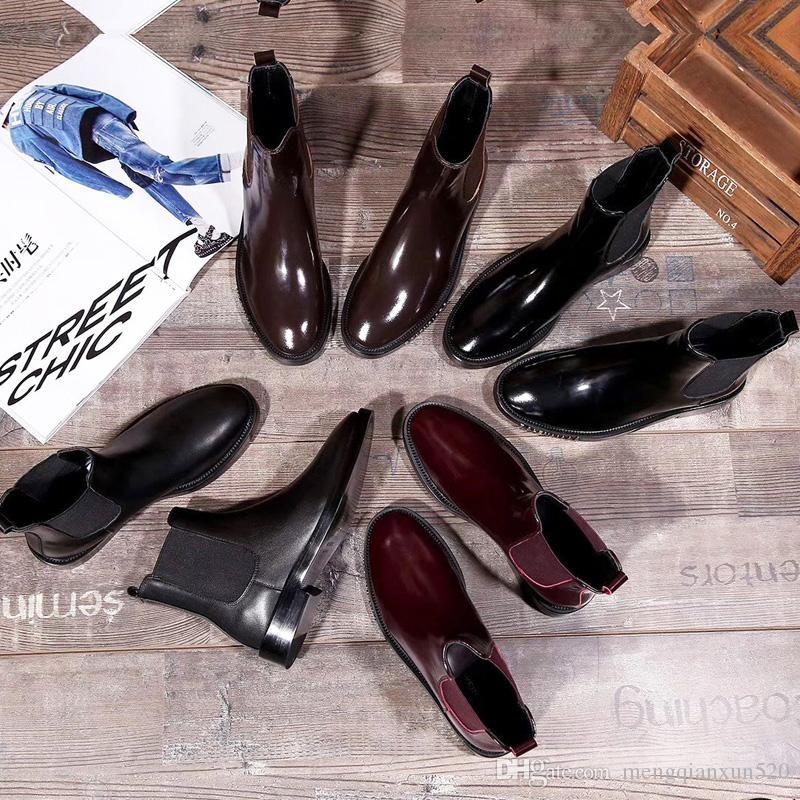 {الأصل} الشعار السيدات مصمم الأحذية قصيرة النساء بنسبة 100٪ جلد البقر فاخرة أحذية جلدية الأحذية شقة الرسائل المعادن الموضة مارتن الأحذية حجم 35-41