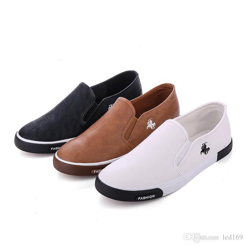 2020 Abito scarpe Marrone Nero Uomo Bianco Estate fannulloni traspirante pattini degli appartamenti scivolare sul Shallow confortevole Zapatos Hombre Plus Size 39-45